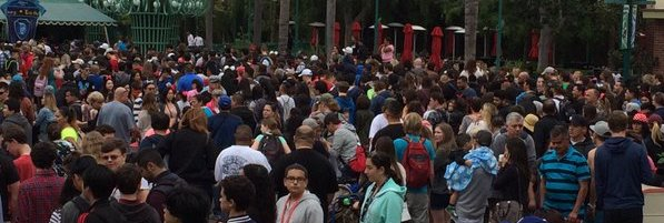 Overcrowded Disneyland enterance by La Brea Bakery with the old security tents