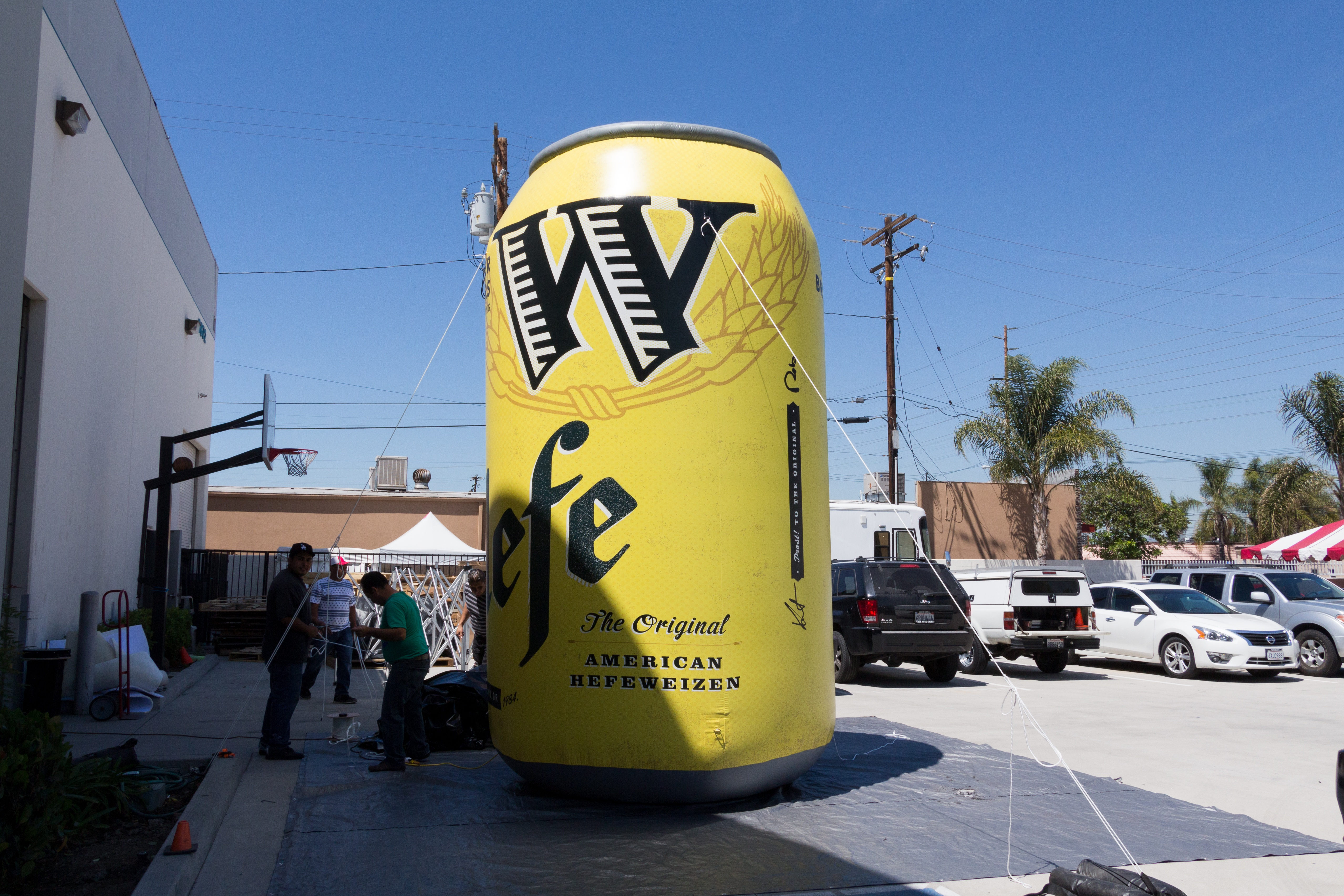 inflatable-hefeweizen-can