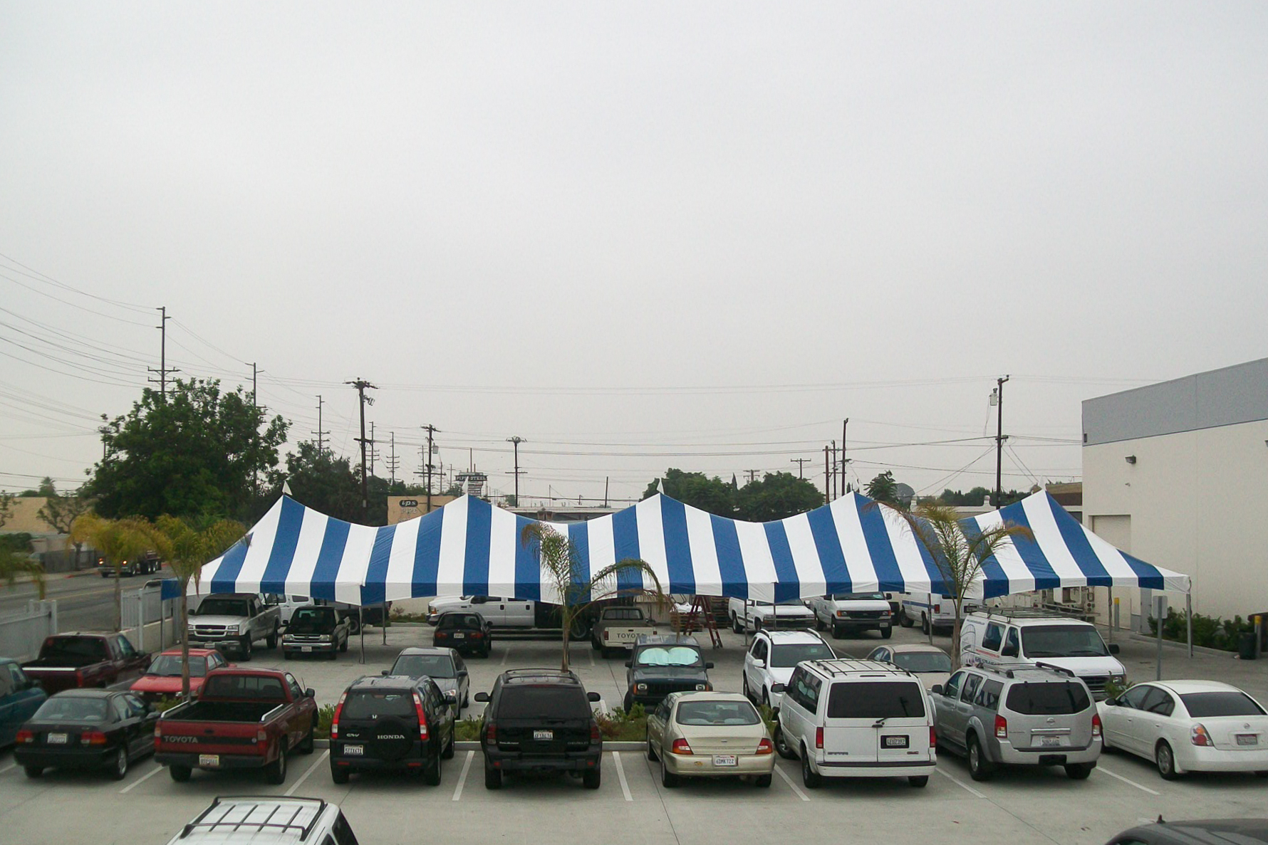 striped-tents-for-rent