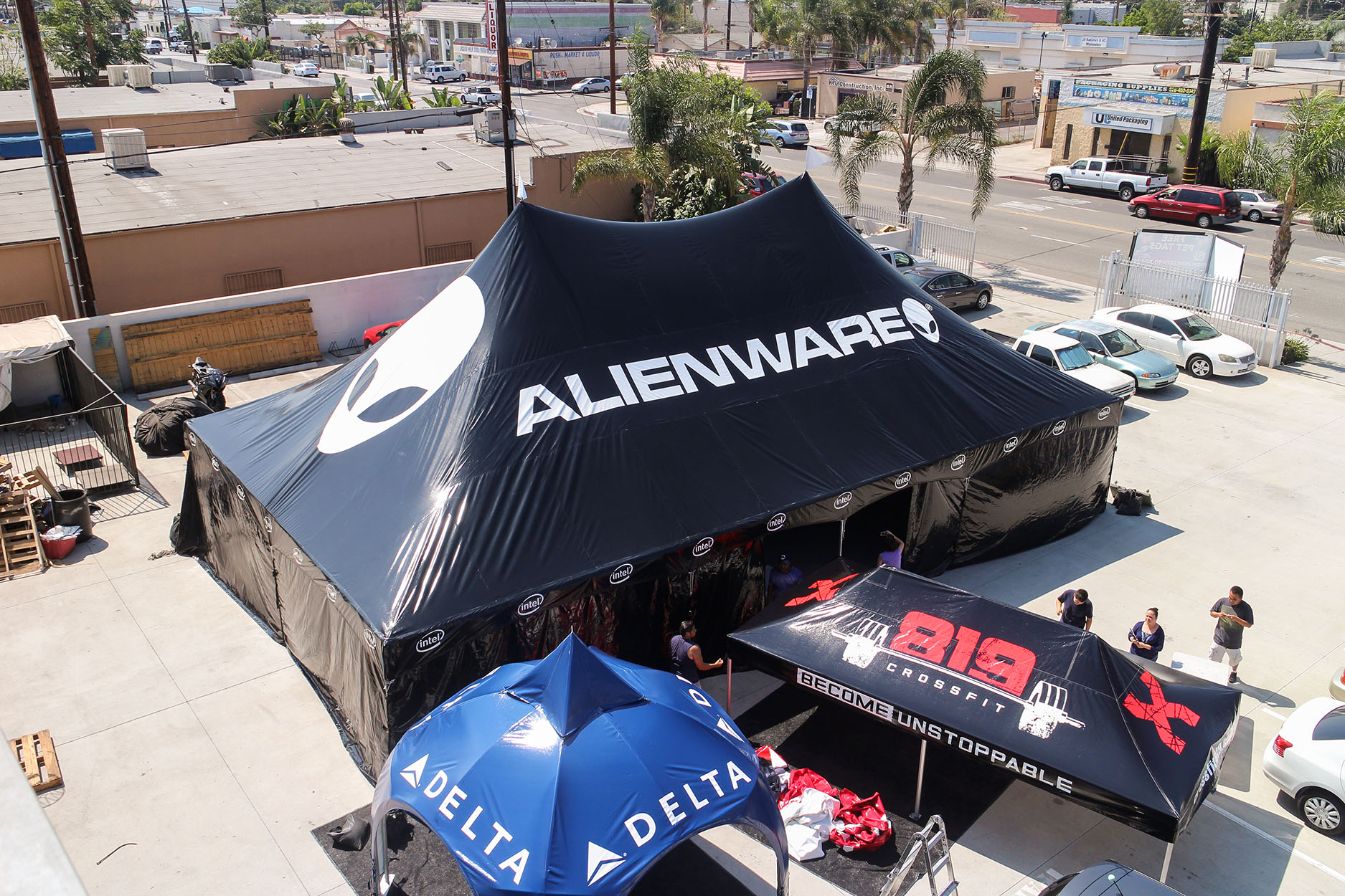 high-peak-tent-alienware