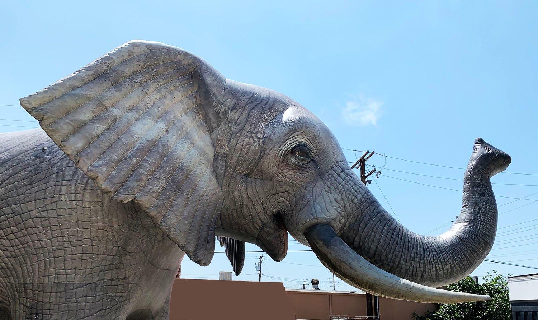 inflatable-elephant