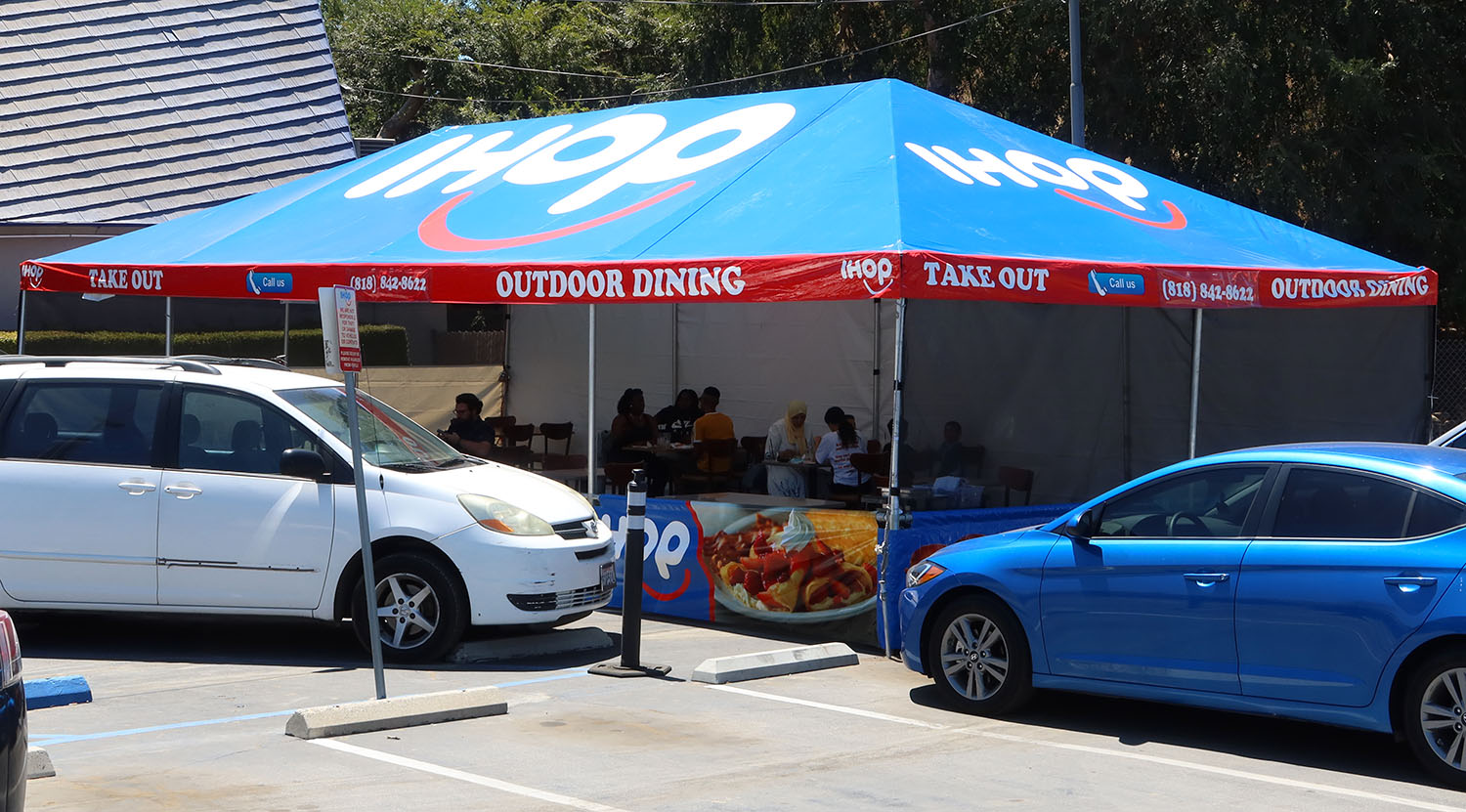 corporate-branded-outdoor-canopy