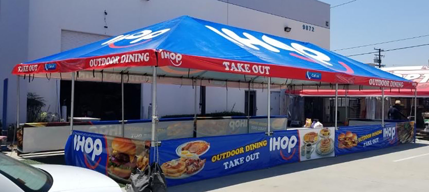branded-outdoor-dining-canopy-ihop