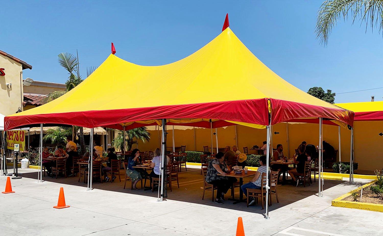 outdoor-dining-canopies-festive-restaurants